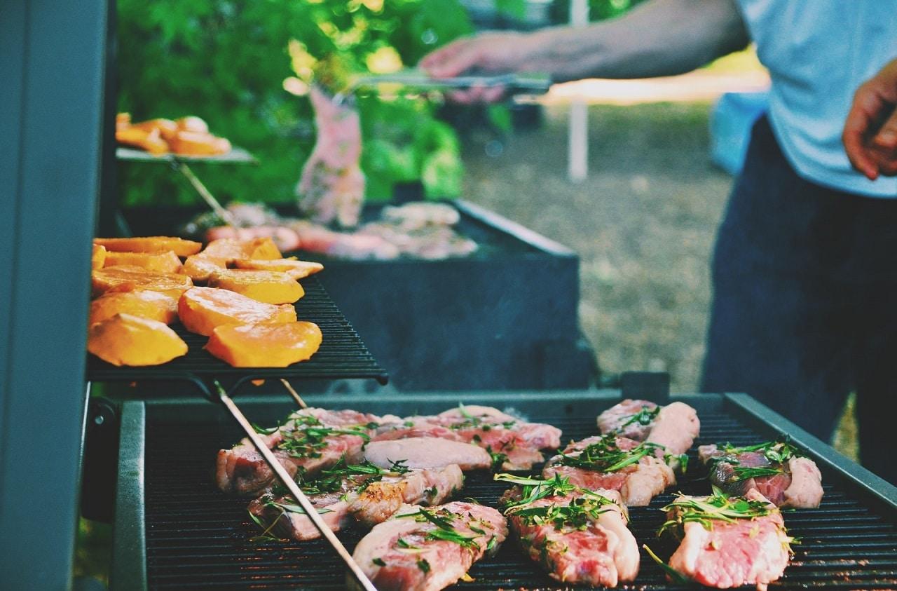 barbecue et plancha- guide et conseils - Terrasses-et-Balcons