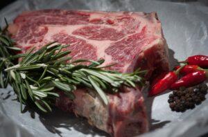 Côte de bœuf, sauce béarnaise maison