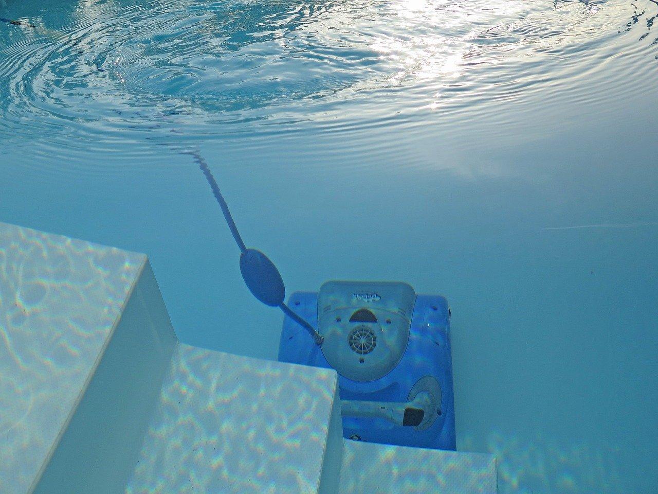 Comment résoudre le problème des algues dans la piscine ?
