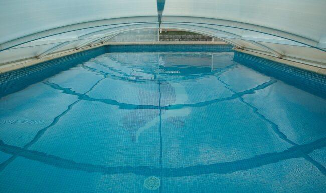 Quelles sont les solutions pour bien protéger sa piscine ?