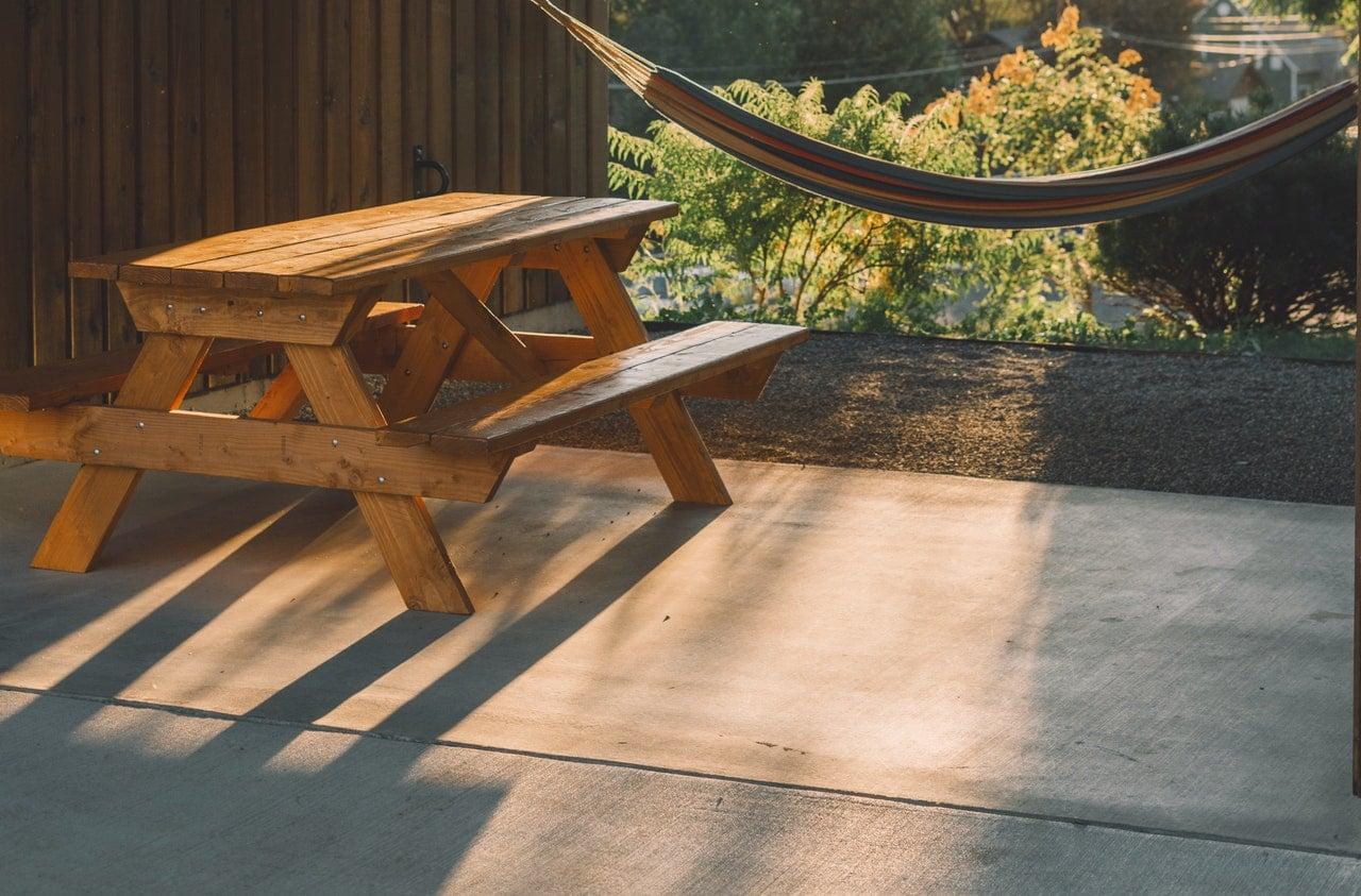 Où acheter une dalle en béton pour une terrasse ?